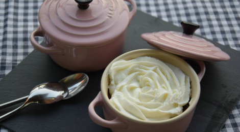 Mousse al cioccolato con panna