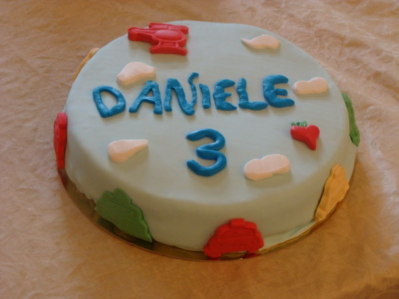 Torta-decorata-pasta-di-zucchero